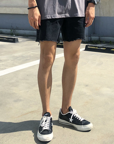 71 BLACK DENIM SHORTS