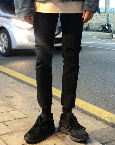 SLIM COTEAD CUTTING BLACK JEAN